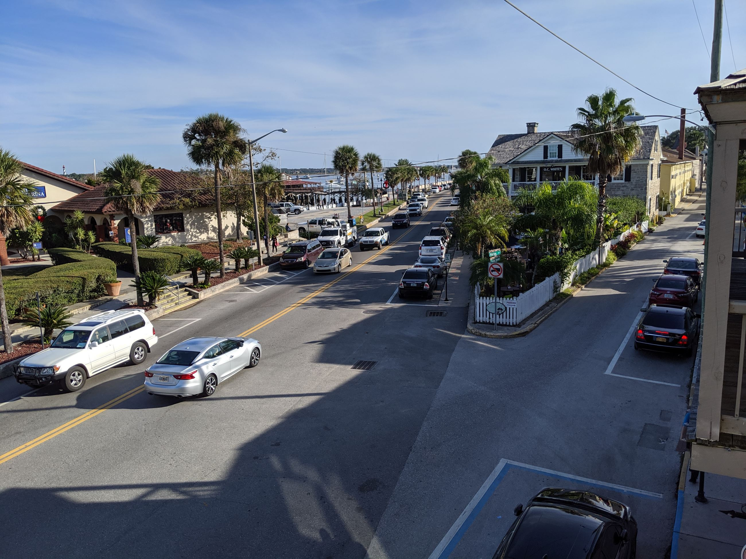 image of intersection of Avenida Menendez and Marine Street in front of Municipal Marina